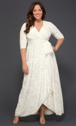 PRE ORDER: Vie En Velvet Wedding Dress - Ivory