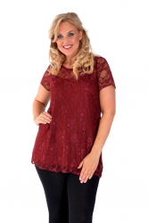 PRE ORDER: Stylish Sweetheart Lined Lace Top - Scarlet