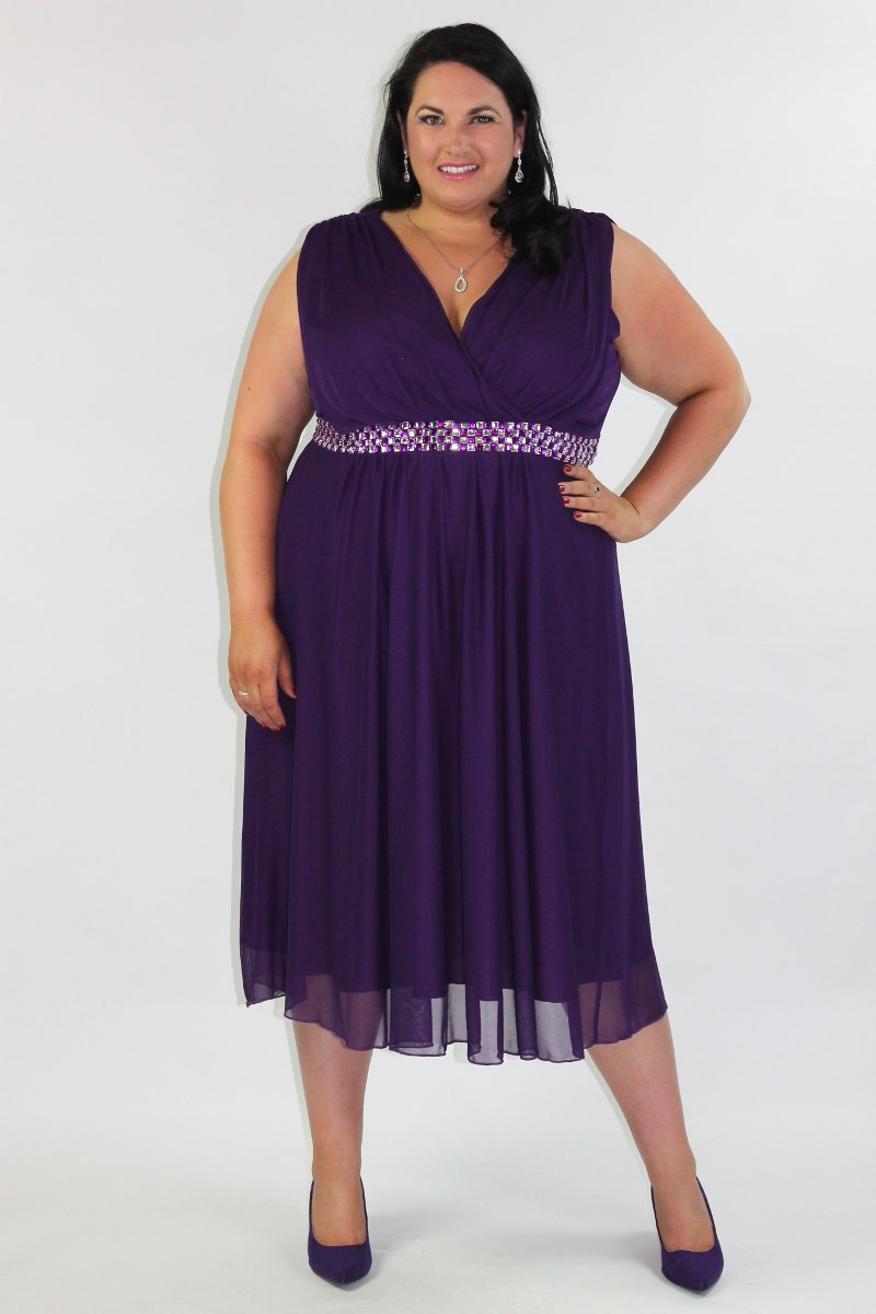 Reviews on Plus Size Clothing in Melbourne Victoria - DFO South Wharf, Smooth, Clear It, The Vintagearian, Lorna Jane, Red Lantern, Caroline Guidi, Dejour .